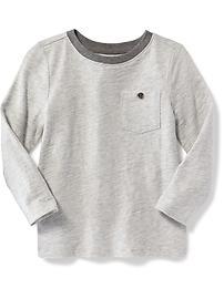 T-shirt à poche poitrine boutonnée pour tout-petit garçon