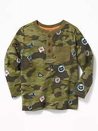 Henley à poche à imprimé camouflage pour tout-petit garçon