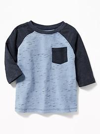T-shirt à poche à manches raglan pour tout-petit garçon