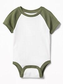 Cache-couches raglan à couleurs contrastantes pour bébé