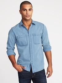 Chemise en denim à deux poches, coupe standard pour homme