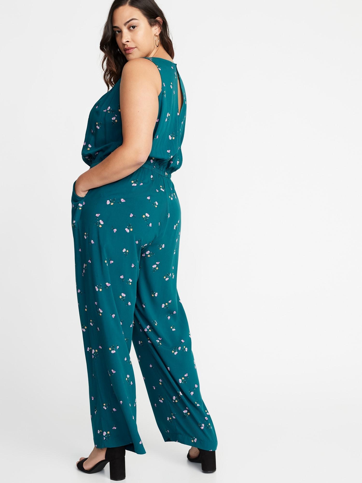 869bde058560 Waist-Defined Plus-Size Sleeveless Jumpsuit