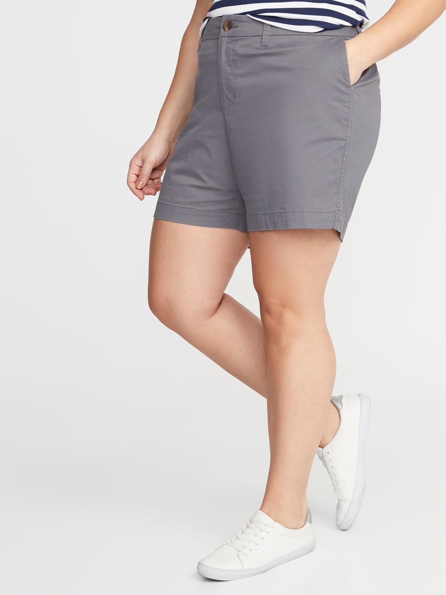 5d114d1ed4f Mid-Rise Plus-Size Twill Everyday Shorts - 7-inch inseam