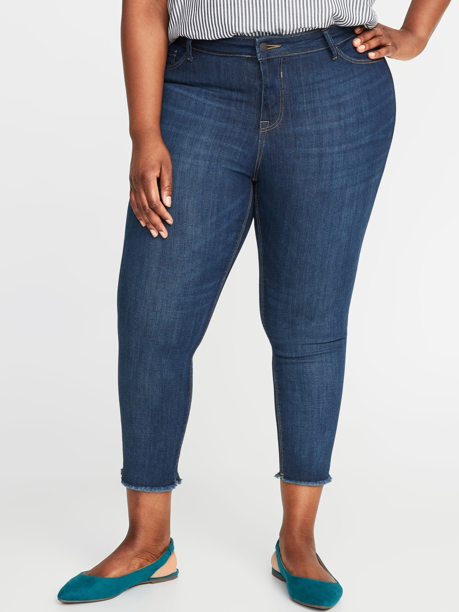 cc1af3dbfffaa9 High-Rise Secret-Slim Pockets Plus-Size Released-Hem Cropped Rockstar Jeans