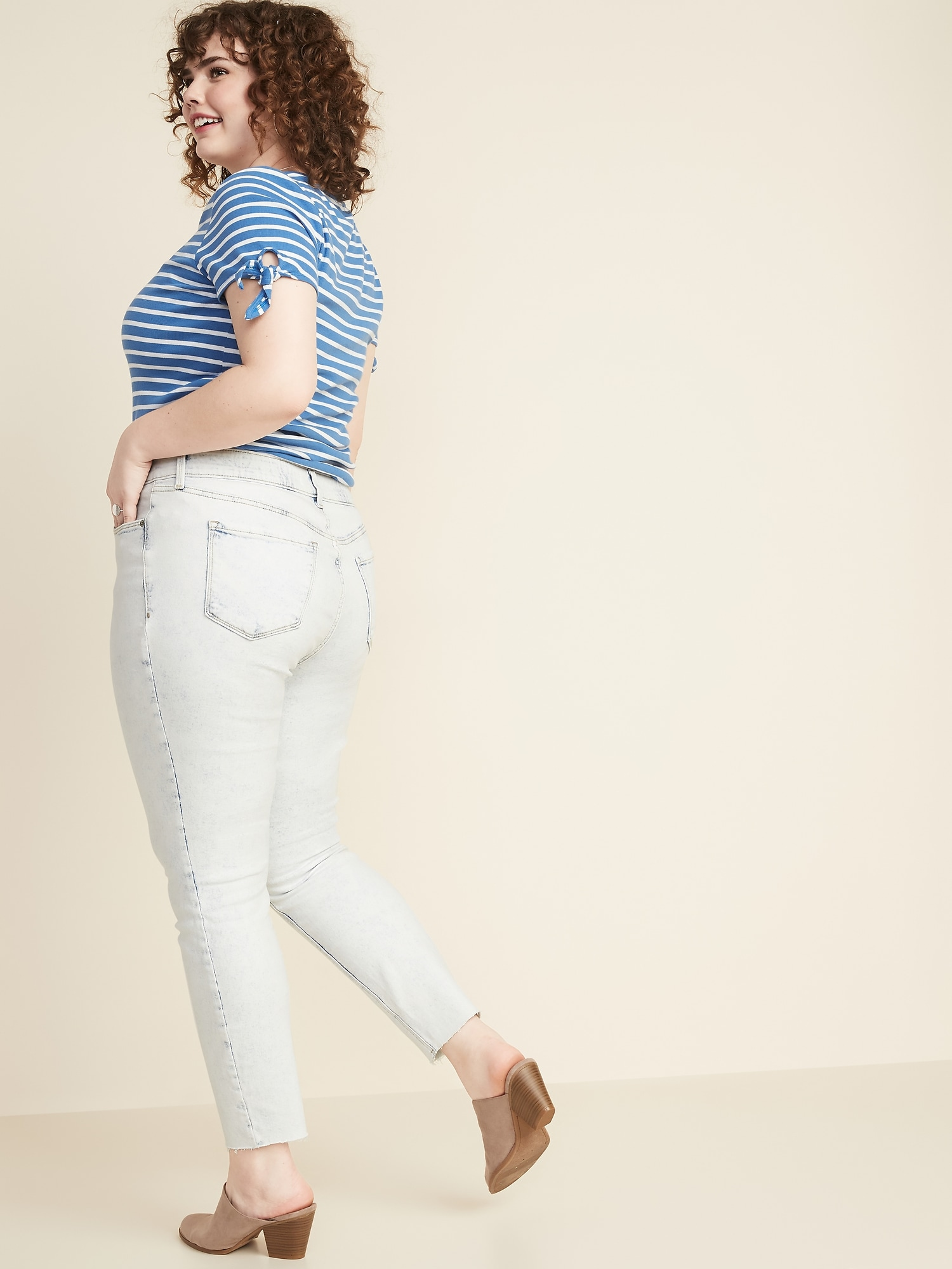 19a3bba959b8d4 High-Rise Secret-Slim Pockets + Waistband Plus-Size Rockstar Frayed-Hem  Jeans