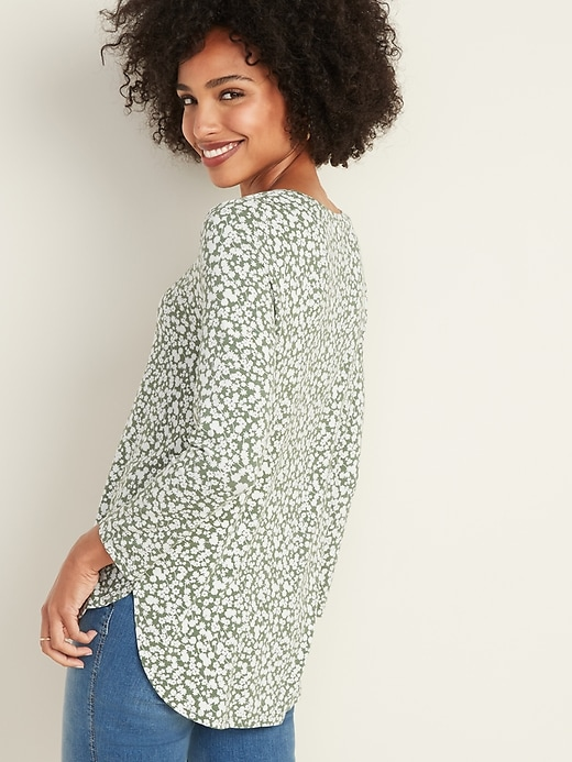 Luxe Floral Crew-Neck Tee for Women
