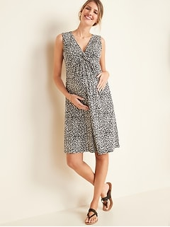 Maternity Waist-Defined Twist-Front Jersey Dress
