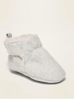 Chaussons en micromolleton doublé en sherpa pour bébé