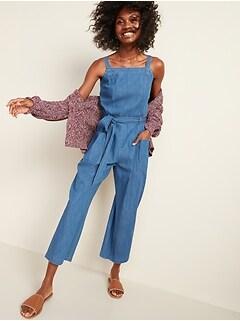 Combinaison en jean pratique sans manches avec ceinture-lien pour femme