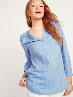 Textured Dobby-Stripe Split-Neck Tunic Top for Women