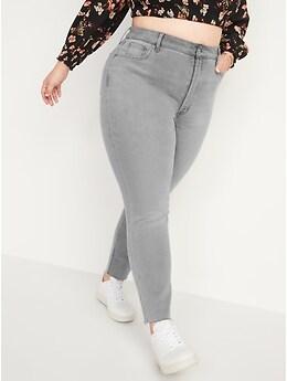 Jean Pop Icon ajusté à taille très haute avec braguette à boutons et ourlets bruts pour Femme.